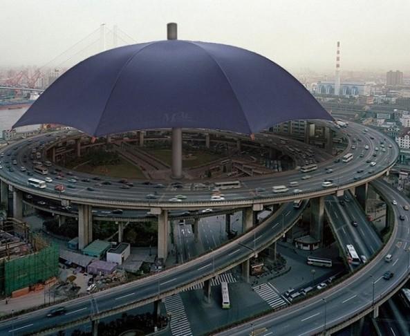 Le-plus-grand-parapluie-du-monde-Copie1-640x525