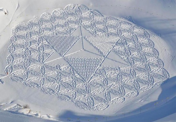 Snow-Art-by-Simon-Beck-6