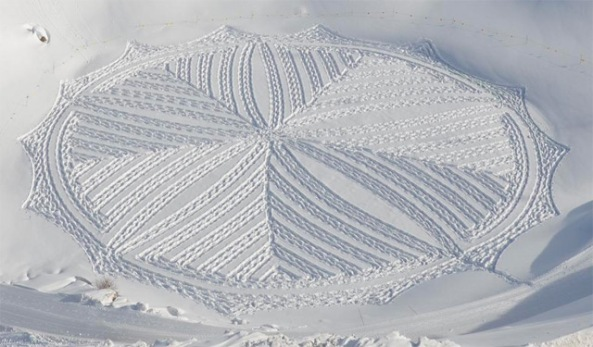 Snow-Art-by-Simon-Beck-8