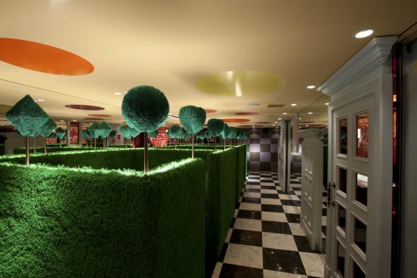 Alice-in-Wonderland-Restaurant-C