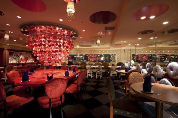 Alice-in-Wonderland-Restaurant-I