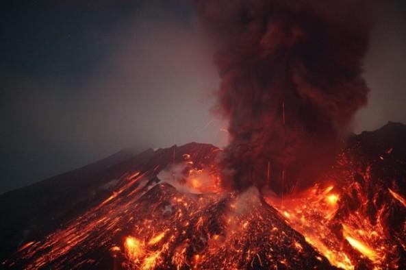 Eruption-Electrique-du-Sakurajima-4