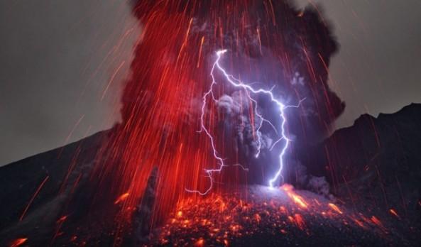 Eruption-Electrique-du-Sakurajima-5