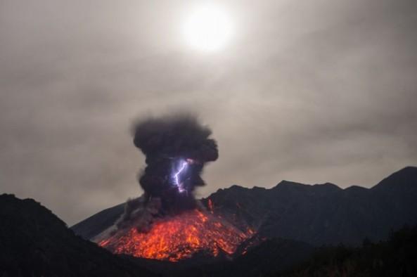 Eruption-Electrique-du-Sakurajima-6