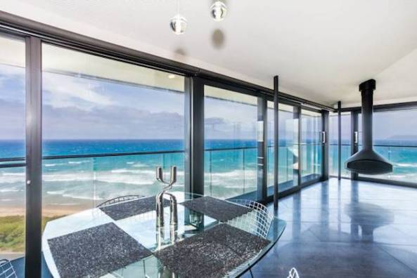 Stunning-Elevated-Beach-Pole-Home-in-Australia-5