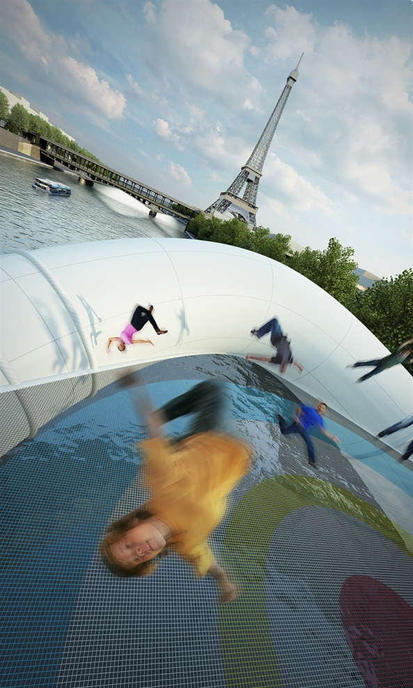 Un pont trampoline gonflable sur la Seine (3)