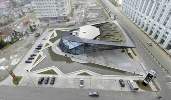 Le McDonald's Design de Batumi (6)